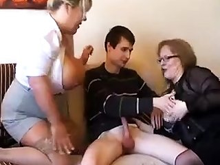 Old fat slutty granny in pantyhoes fucked everlasting in threesome