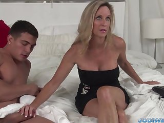 Provocative Taut Mommy Smooches Her Junior Trainer All round Humungous Man Sausage