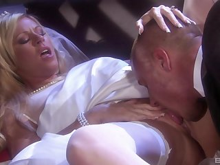 Busty flaxen-haired MILF in stockings Ahryan Ashtyn fucked fast missionary