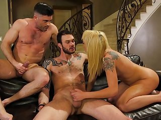 Cute tattooed chick gets deserted with duo bisexual dudes