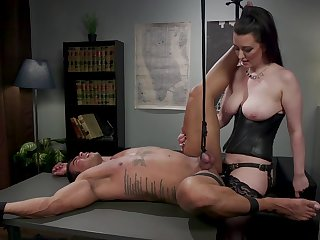 Dominant looker botheration fucks obedient male