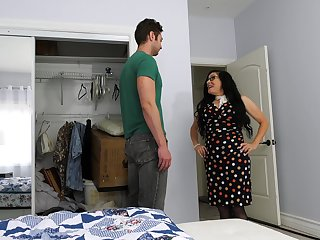 Mature descendant fucks their way stepson's friend while he's not at home