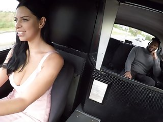 Moonlighting cabbie Kira Big cheese fucks a hung black traveller
