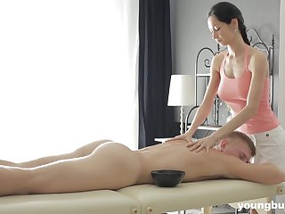 Slender masseuse with respect to obese tits Emma L gets intimate with respect to one of her clients