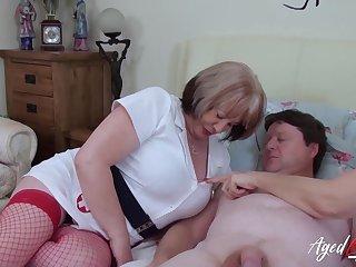 British mature ladies enjoying hardcore threesome sex with torrid handy man