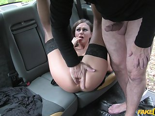Curvy ass woman filmed during a great taxi fuck