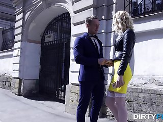 Busty blonde in nylon stockings Aurora Sky crazily rides cock and fucks doggy