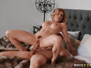 Hot cougar rides enduring and craves for sperm on tits