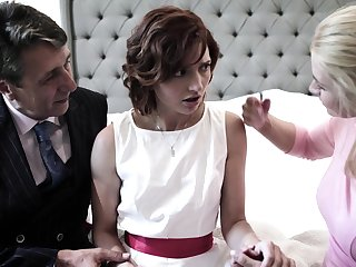 Interesting slow-witted bride Elena Koshka has to drag inflate strong fat cock damn great