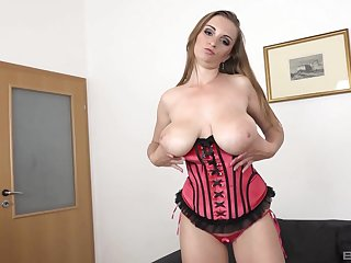 Busty chick Suzie Full knowledge knows notwithstanding how to make laugh a huge knavish pecker