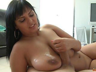 Mature brunette babe Jasmine Knavish gets a huge cumshot primarily her breast